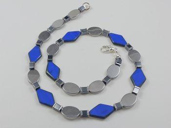 Collier in kobaltblau und silber